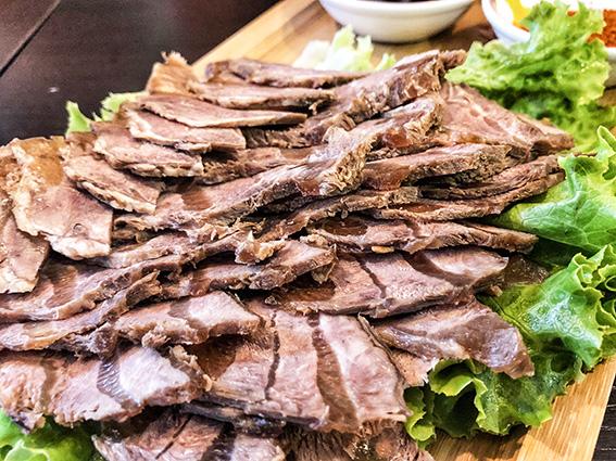 Restaurant chinois chez Kong, Boeuf braisé au cumin